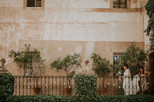 Tuscan style house and bride   Kelly Chandler Consulting