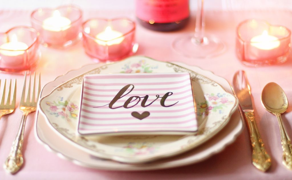 Wedding table setting with love plate   Kelly Chandler Consulting