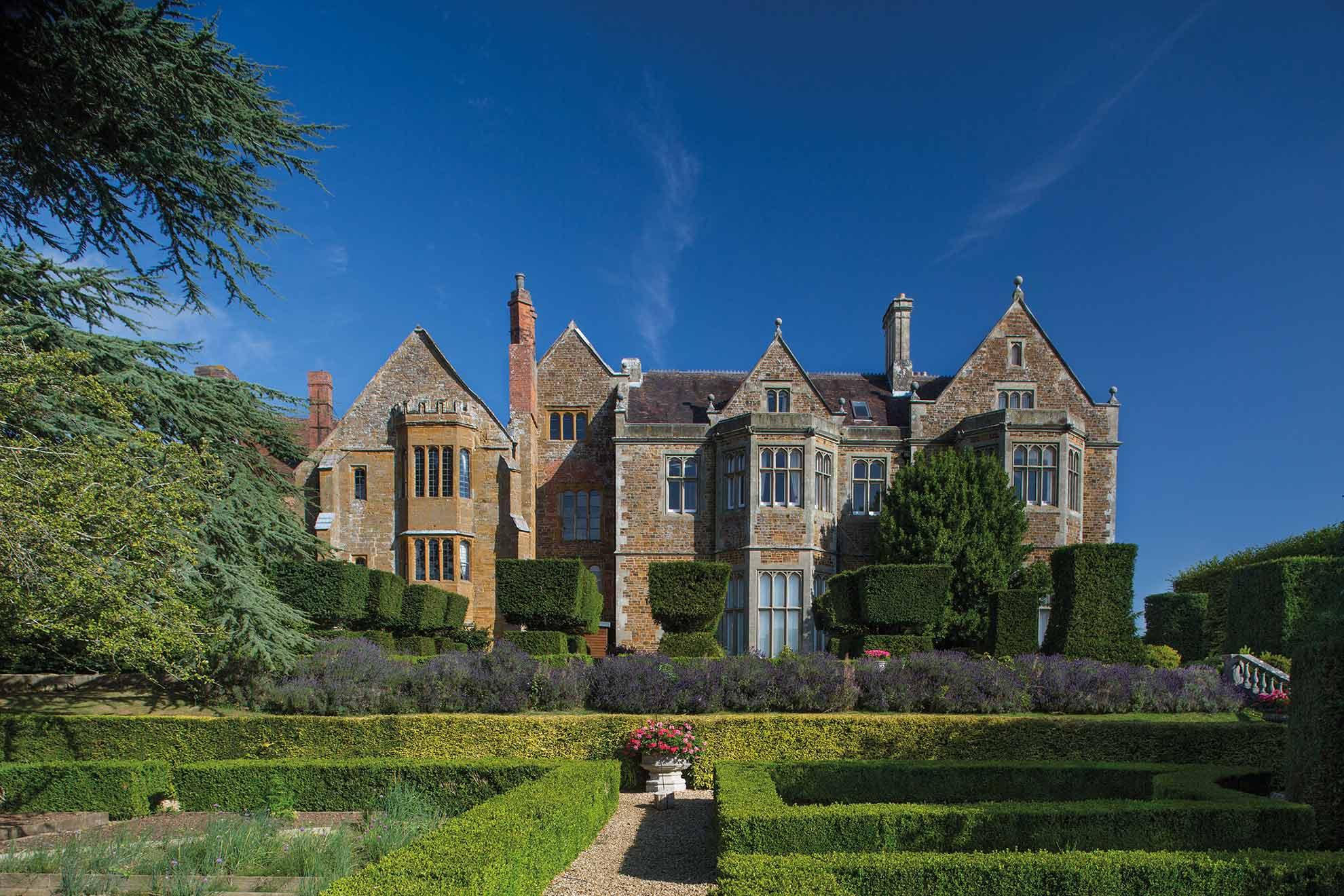 Fawsley-Hall-Hotel,-Northamptonshire